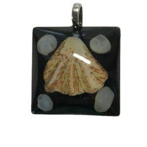 NWOT Black Seashell Pendant with Seahorse Bail
